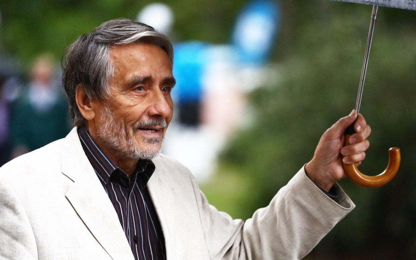 Kirjanik Paul-Eerik Rummole anti Soomes elutööpreemia