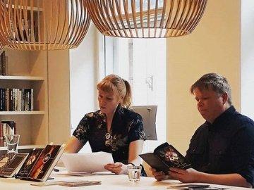 Soome kirjanikud Prima Vistal: tõsistest teemadest muinasjuttude ja huumori kaudu