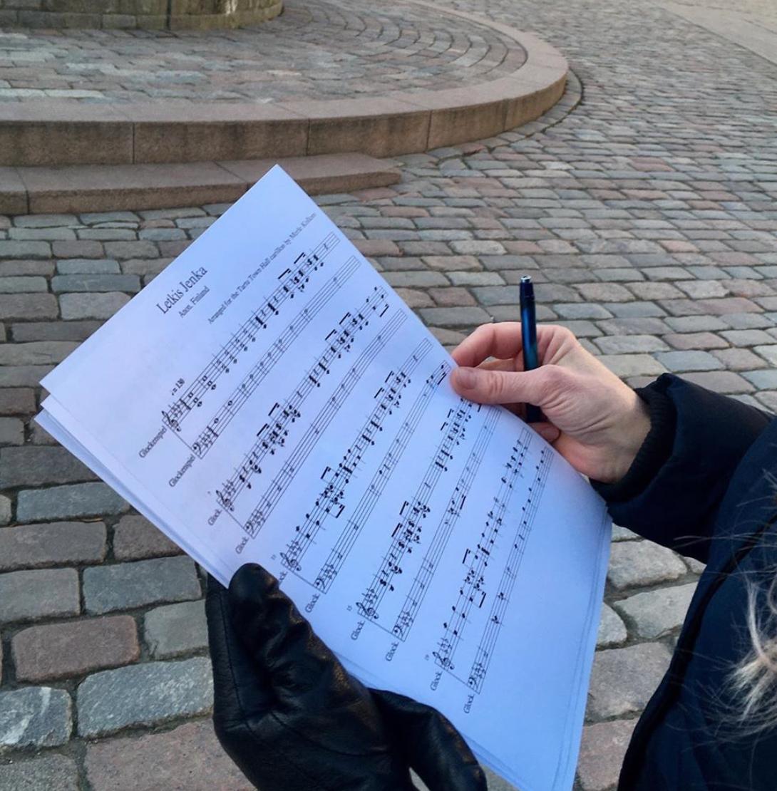 Tartu raekoja kellatornis kõlab Soome auks jenka