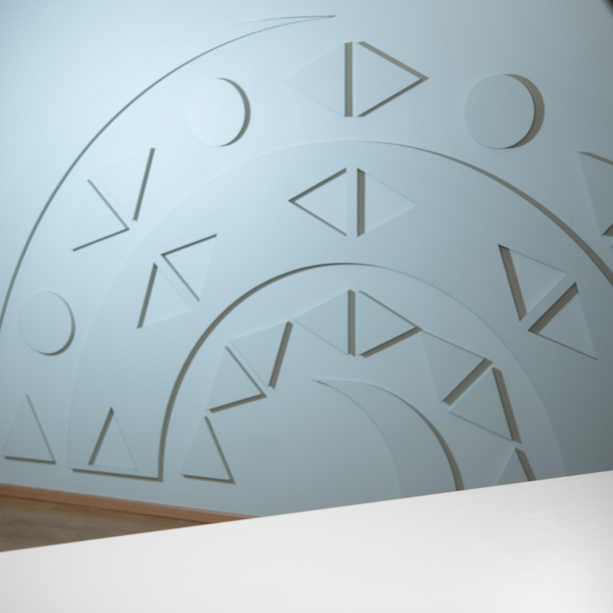 Persooni taust Soome Instituudi logoseinaga