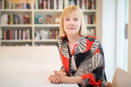 Veera Mononen: praktika Soome Instituudi raamatukogus on hea valik algatusvõimelisele suhtlejale