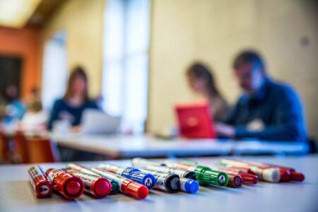 Suomen Viron-instituutti kouluttaa opettajia ja rehtoreita