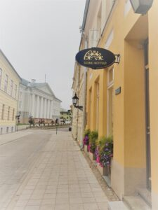 Soome Instituudi raamatukogu on taas avatud
