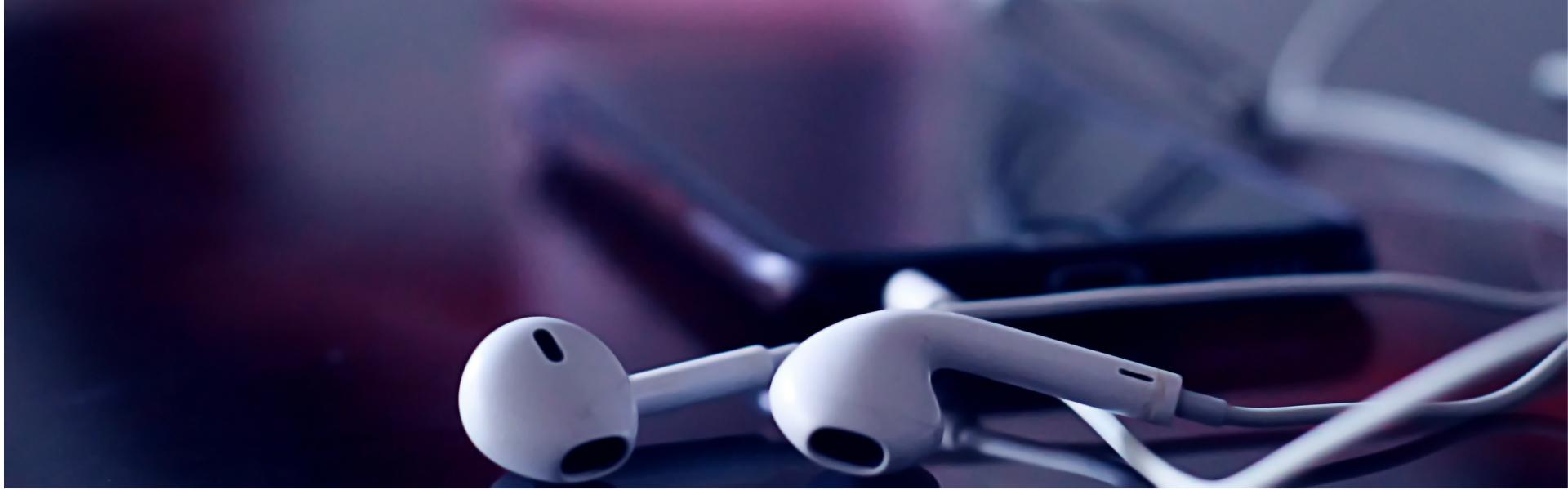 telefon, kõrvaklapid