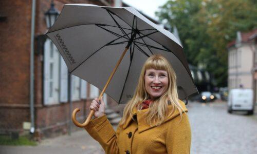 Heidi Iivari: minu luuletused räägivad ellujäämisest ja elurõõmust